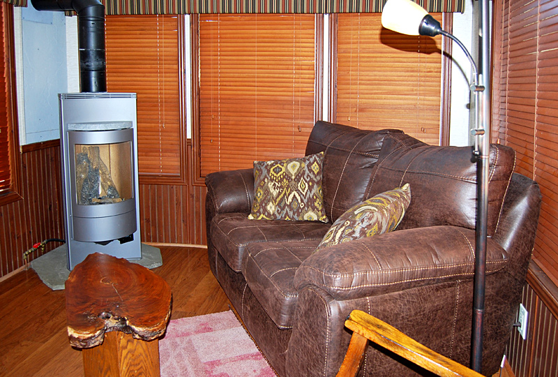 Hemlock Haven Pet-Friendly Luxury Log Cabin Living Room