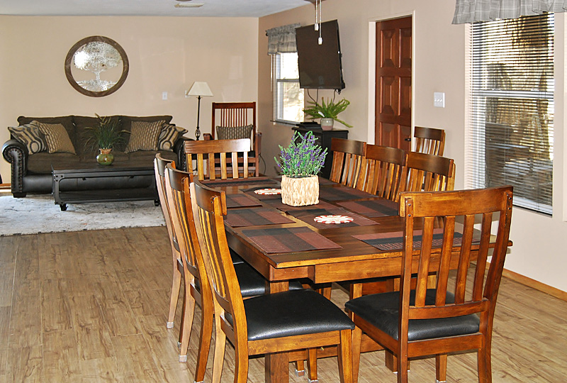 Coffee Hollow Pet-Friendly Lodge Dining Room