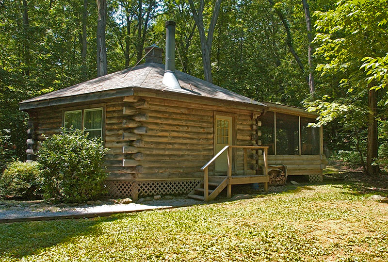 The Phenix Luxury Log Cabin Exterior
